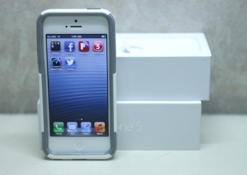iPhone 5 with the Otterbox Commuter Series Case