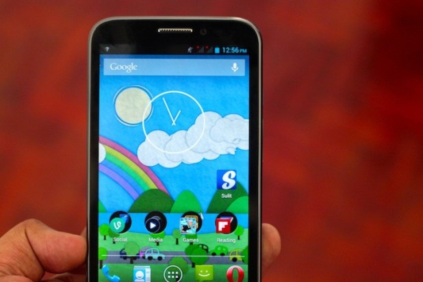 Cherry Mobile Blaze 2.0: Two Thumbs up!