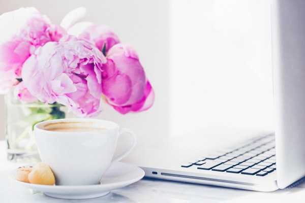 Check out these 7 blogging tips for beginners! If you're new to blogging, it may seem a little overwhelming with how much information is actually out there on the topic.