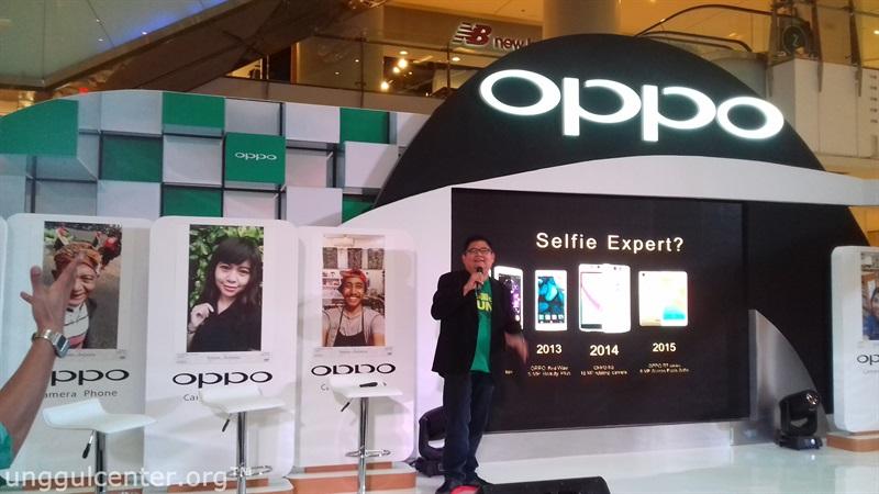 mas Aryo, media engagement dengan bangga persembahkan Oppo F1 Selfie Expert, jelas dong bangga, keren ini mah!