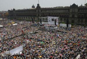 Manifestaciones en la plaza del Zócalo (Ciudad de México). Foto: Claudia Guadarrama, Grupo Milenio