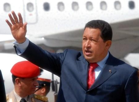 El expresidente de Venezuela, Hugo Chávez, visitando Guatemala en 2008 [Foto: Ukberri.net vía Flickr].