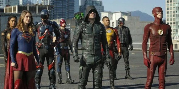 Arrivano gli alieni nello spettacolare full trailer del crossover Arrow, The Flash, Supergirl e Legends of Tomorrow