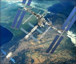 ATV approaches the ISS before docking next month - artist impression (credit: ESA)
