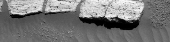 Rocks with grainy surface.  Credit: NASA/JPL/Cornell