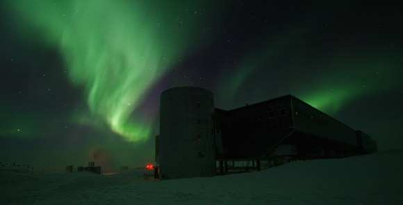 Aurora Australis over the elevated station at Amundsen-Scott South Pole Station, Antarctica. Credit: Calee Allen, National Science Foundation
