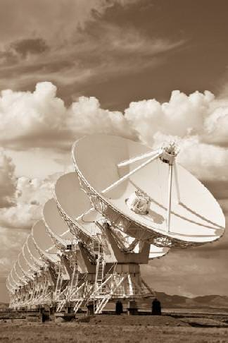 Antennas of the Very Large Array CREDIT: NRAO/AUI/NSF
