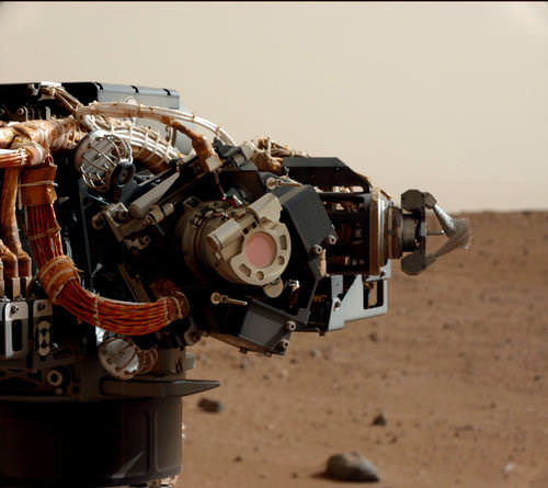 Camera and brushes on Curiosity's Arm as Seen by Camera on Mast. Image credit: NASA/JPL-Caltech/MSSS