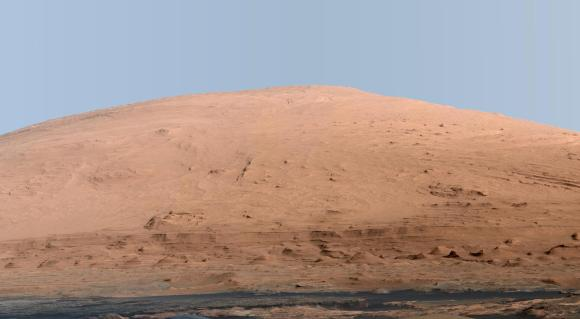 Gale crater's central peak as it might look under Earthly lighting (NASA/JPL-Caltech/MSSS)