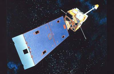 Artist's concept of a GOES spacecraft in orbit. (Credit: NOAA.gov).