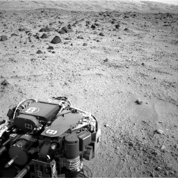Curiosity Heading for Mount Sharp, Sol 329. Credit: NASA/JPL-Caltech