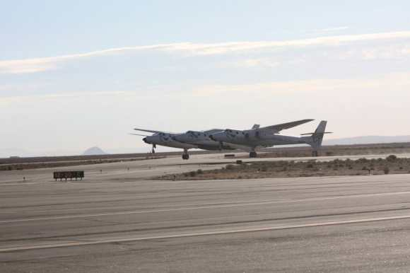 Virgin Galactic's SpaceShipTwo, aboard WhiteKnightTwo, takes off during a flight test Sept. 5, 2013. Credit: Virgin Galactic (Twitter)