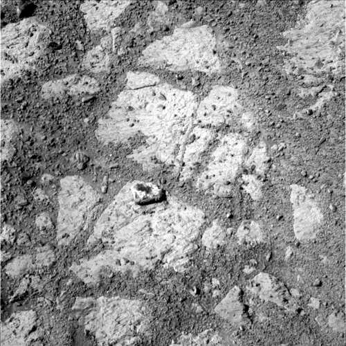 Image of same area on Sol 3540 where the 'jelly donut' rock appears. Click to see original. Credit: NASA/JPL.