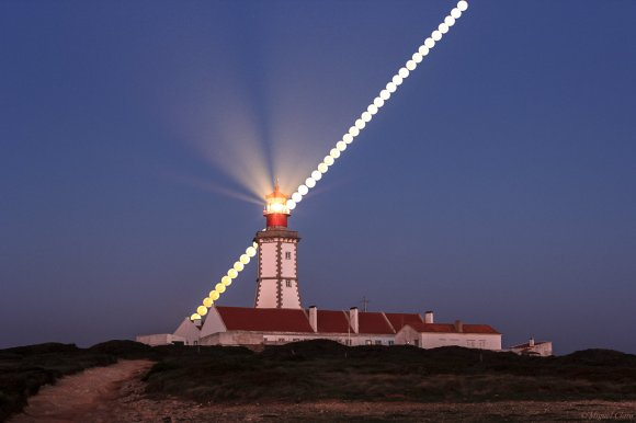 The full Moon in this sequence was captured at the Cape Espichel lighthouse near Sesimbra, Portugal on March 16, 2014. Credit and copyright: Miguel Claro.