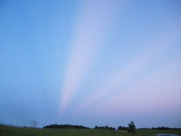 Anti-crepuscular rays on the east horizon in Minnesota on June 9, 2012. Credit: Nancy Atkinson.