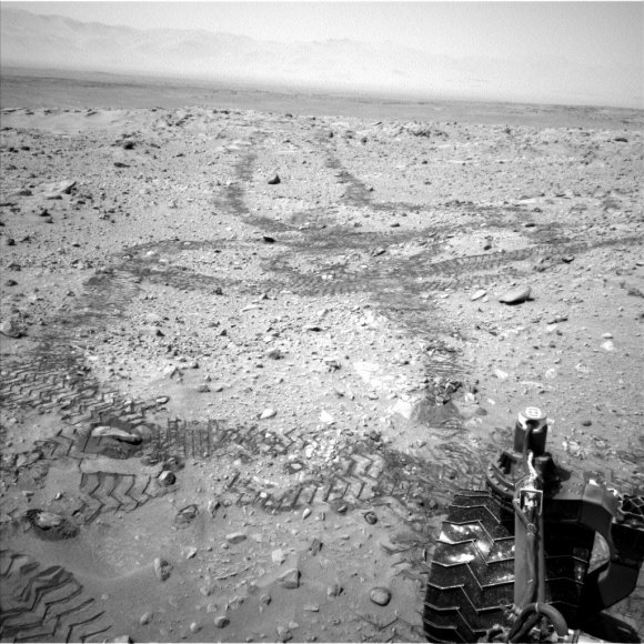 Tracks of the Curiosity rover crisscross Mars in this picture taken on Sol 719 (Aug