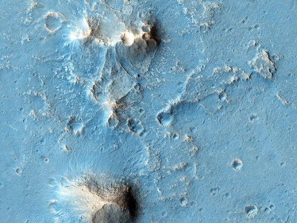 Possible future Mars landing site in Oxia Planum. Credit: NASA/JPL/University of Arizona.