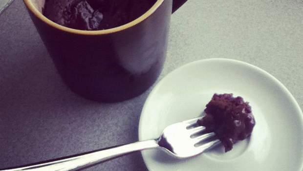 Chocolate Banana Mug Cake (University Foodie)
