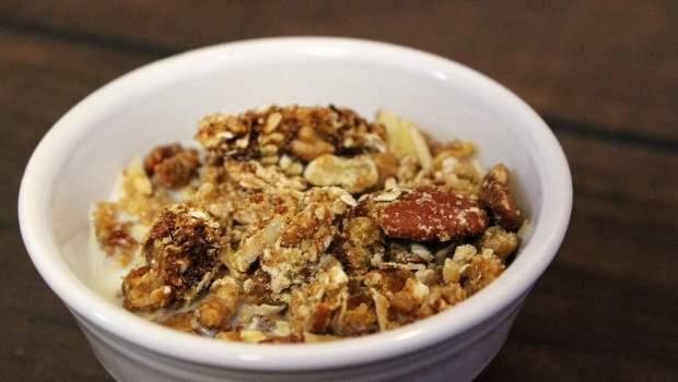 Microwave Granola (University Foodie)
