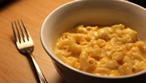 Crockpot Macaroni & Cheese (University Foodie)
