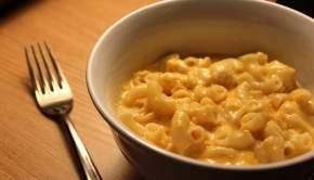 Crockpot Macaroni & Cheese (University Foodie)