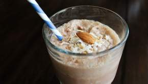 Almond Joy Smoothie | www.universityfoodie.com