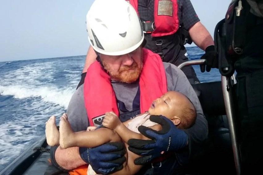 neonato migrante morto