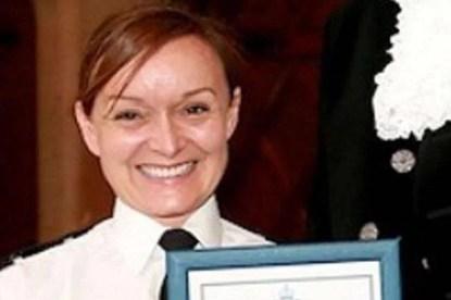 poliziotta salva bimba