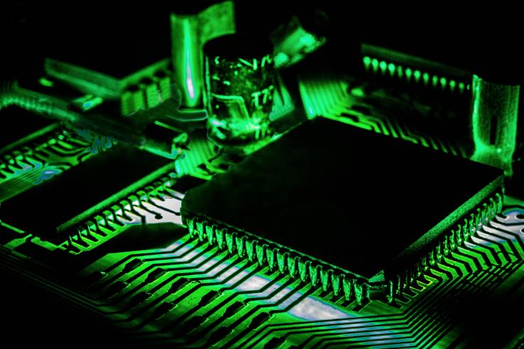 Apple- Ditch Samsung-Next iPhone -Chip