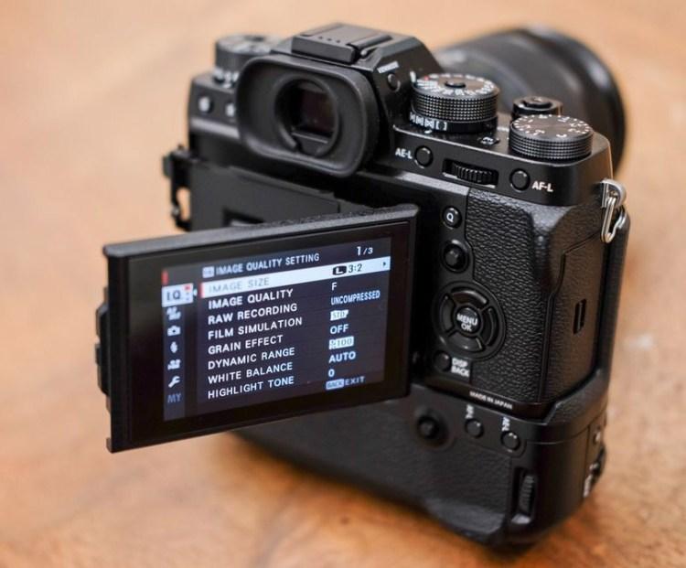 X-T2-3-inch rear LCD