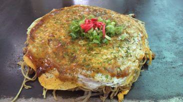 Okonomiyaki estilo Hiroshima