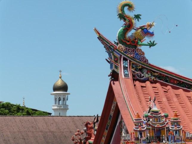 Templo chino y mezquita