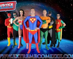 """[SFW] Tráiler de """"La liga de la justicia XXX"""""""