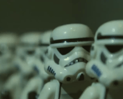 Trailer de The Force Awakens realizado con LEGO