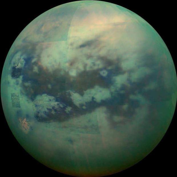 """Nueva fotografía de """"Titan"""" luna de Saturno donde vemos más de su superficie"""