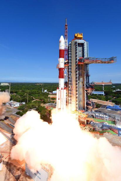 india_lanzamiento_de_20_satelites_2_unpocogeek.com