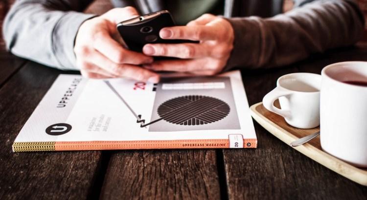 se distrair com celular