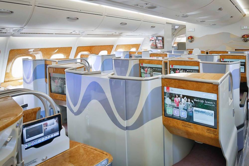 Emirates overweegt meer betaalde services