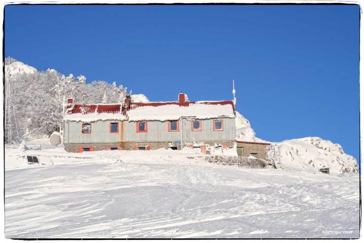 Dom na Zavižan po zimi