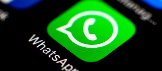 a aplicación de mensajería instantánea, WhatsApp, es una de las más utilizadas y de la misma manera, es una de las que más espacio ocupa en el celular.