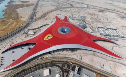 Ferrari world e1289293974746 Ferrari world a ouvert ses portes !