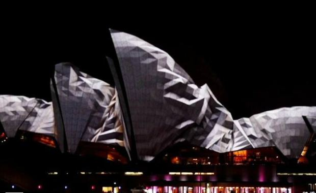 Clip of Friday  Vivid Sydney 2012