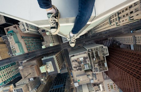 Cliché de Rooftopping par Tom Ryaboi. Crédit photo : Tom Ryaboi