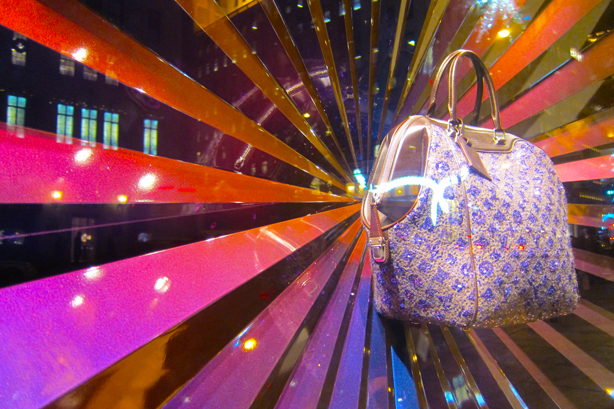luis-vuitton-window-xmas0nyc