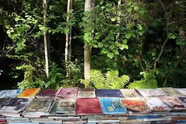 jardin-de-la-connaissance-decaying-books-gessato-gblog-7