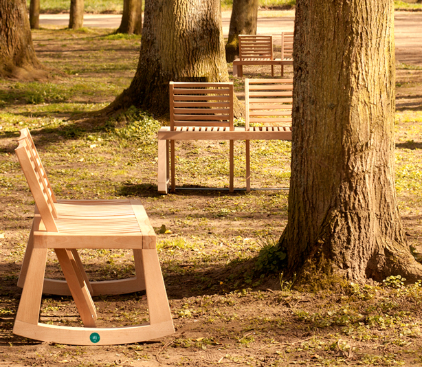 de-la-chaise-double-benches-in-woods-urbangardensweb