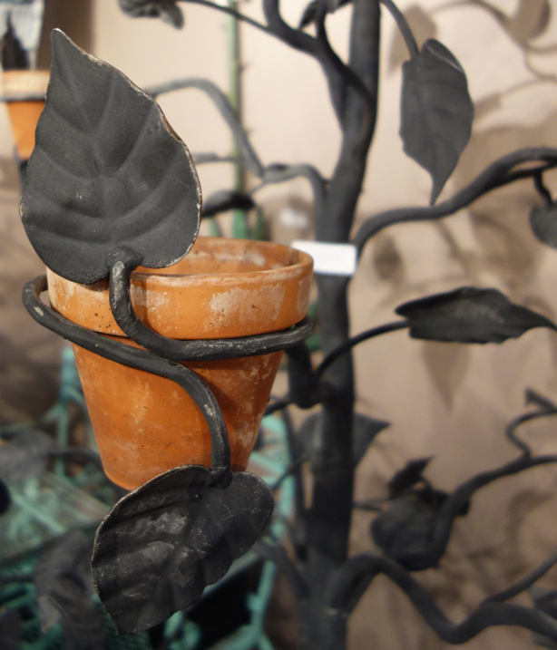 detail-salterini-tree-planter-joan-bogart-urbangardensweb