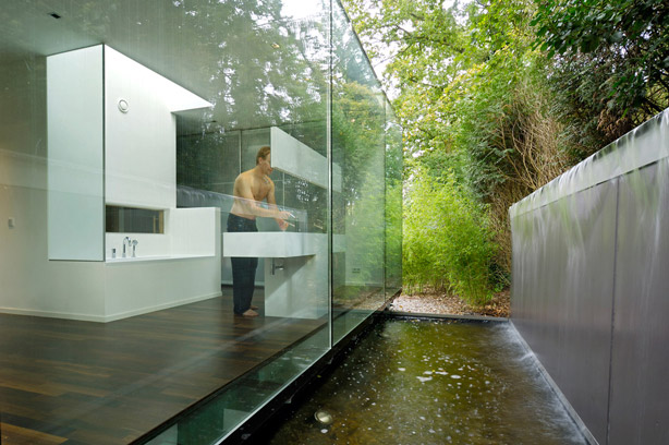 villa-berkel-bathroom-glass-wall