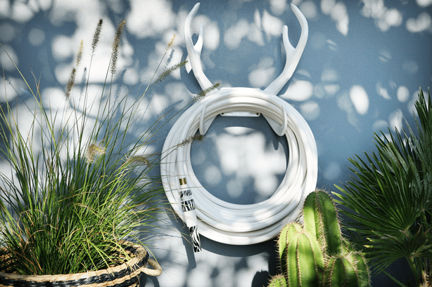 garden-glory-white-hose-antlers