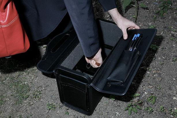 guerilla-gardener-vanessa-harden-briefcase__urbangardensweb_614